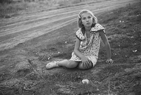 Farm girl. Seward County, Nebraska (John Vachon, 1938)