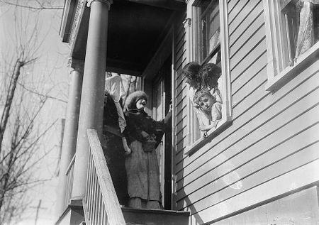 Thanksgiving Maskers (1910-1915) Bain News Service 8
