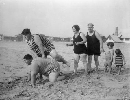 Family at venice beach 1930