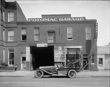 Potomac Garage c 1921