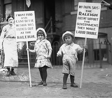 Children picket at Raleigh Hotel waiters strike 1919