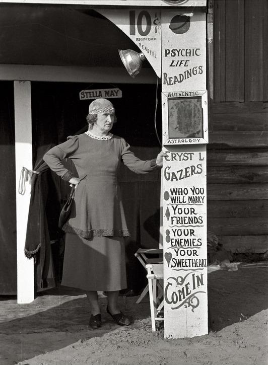 Ortune teller, state fair, Donaldsonville, Louisiana Russell Lee 1938