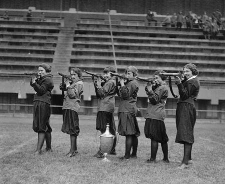 Washington_DC_Girls'_Rifle_Team central high 1922