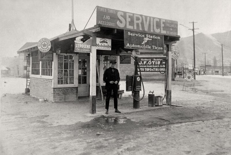 First service station built in Winnemucca, operated by Fritz and Emil Buckingham c1922