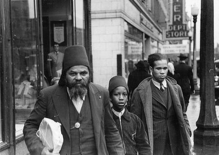 Members of the Moors, a Negro religious group of Chicago, Illinois russell lee 1941