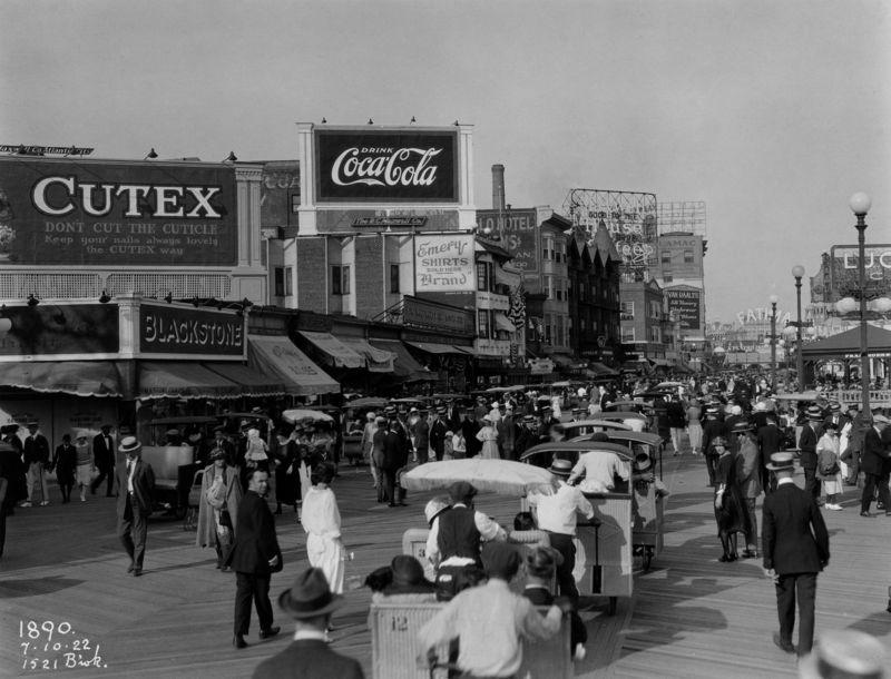Boardwalk atlantic city 1922
