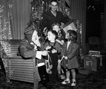Marine corps league christmas party 1951 2