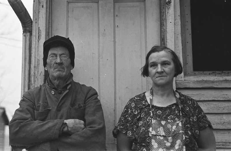 Mike Maloney and wife on farm near Denison, Iowa russell lee 1936