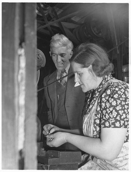 Howard Hollem 1942 Mr and Mrs Dante Bantam CT Dante Electric