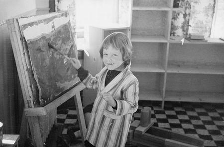 Radburn NJ private model town furnished ideas for suburban resettlement admin greenbelt towns child at community kindergarten Carl Mydans 1935