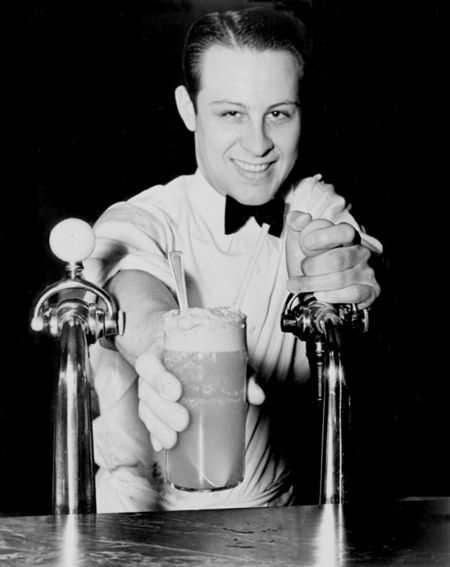 Vintage Photos Alan Fsher Soda Jerk New York 1936