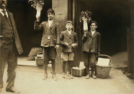Young Italian fruit peddlers Boston, Lewis Wickes Hine 1915