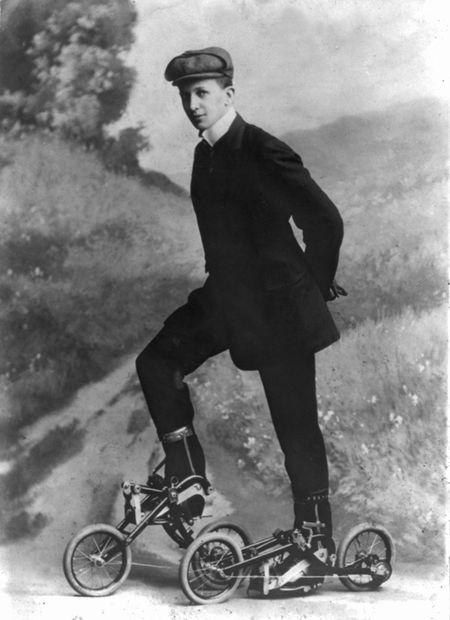 Pedaled roller skates 1910