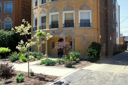Apartments in Rogers Park 2
