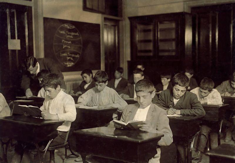 Immigrants in night school Boston, Massachusetts LW Hine 1909