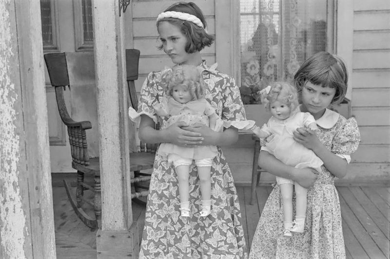 Daughters of Mr. Thaxton, near Mechanicsburg, Ohio  Ben Shahn