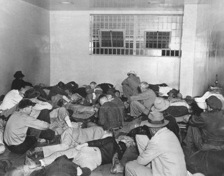 Christmas morning 1952, drunk tank los angeles