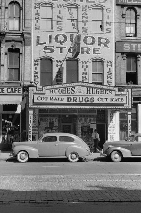Liquor store, Gateway District, Minneapolis, FSA John Vachon 1939