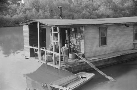 Riverboat home, Charleston, West Virginia 1938