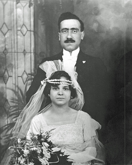 Vintage photos 1920 Wedding portrait