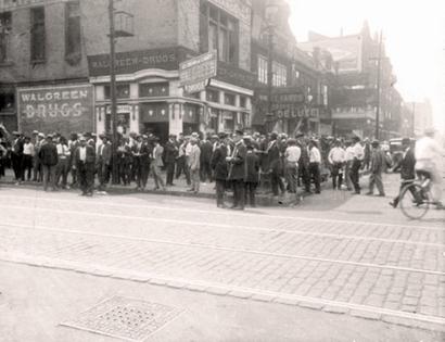 Chicago_riots_1919_adj_2