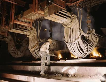 Phosphate_smelting_furnace_in_a_c_2