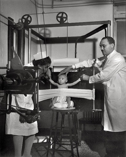 Chicagos_provident_hospital_1942