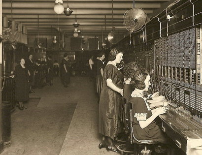 Telephone_operators_springfield_il_