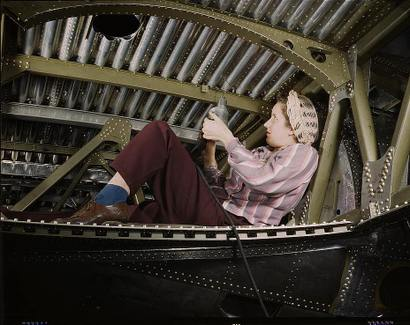 A20_bomber_being_riveted_by_a_woman