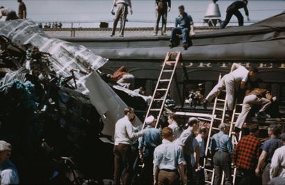 April_1946_train_wreck_in_napervill