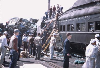 Train_wreck_c_b_q_april_25_1946