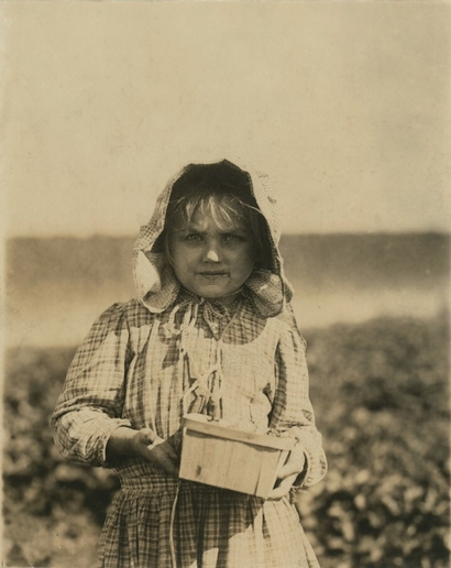 Young_berry_picker_in_delaware_1909